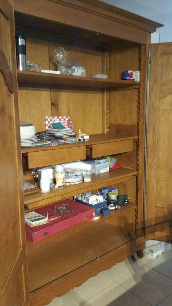 Armoire en chêne est en vente sur notre Brocante en ligne par GOMEZ Plus de photos et contact à cette adresse : http://www.lesbrocanteurs.fr/annonce-antiquaire/armoire-en-chene/