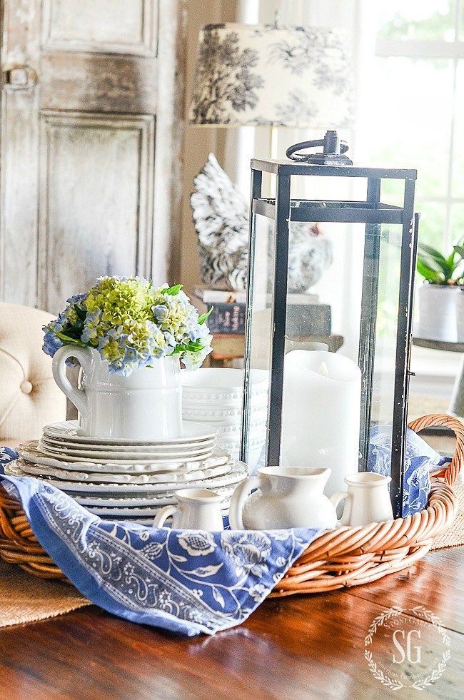 5 easy tips for creating a summery kitchen vignette | summer decor