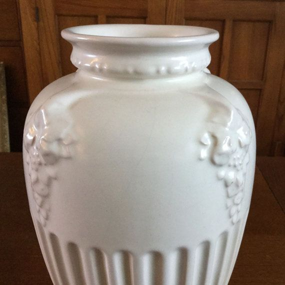 Roseville Pottery SAVONA Ivory Vase 222-12 Art Deco Era USA