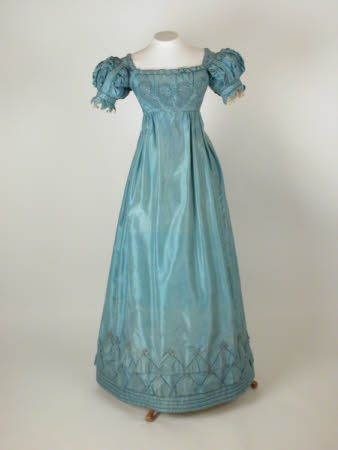 Silk dress consisting of two bodices, skirt and two belts, 1820-1825, UK National Trust.