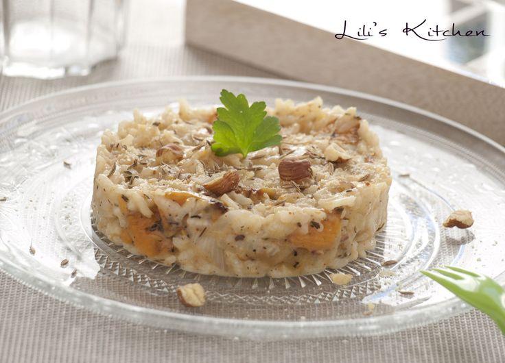 Risotto crémeux à la patate douce et au pâtisson rôtis, mélange d'épices cajun, graines de cumin, sésame et noisettes