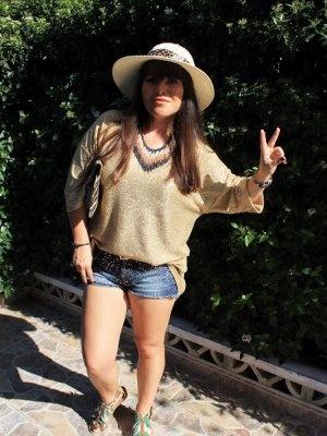 thechicmode Outfit  casual jumper zara shoes bata barcelona  shorts berska  belt mango hat bazar  Primavera 2012. Cómo vestirse y combinar según thechicmode el 19-9-2012