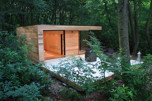 I want one! The customizable Garden Studio by UK company in.it.studios is insulated and can have heating, lighting, power outlets and even a bathroom or kitchen!