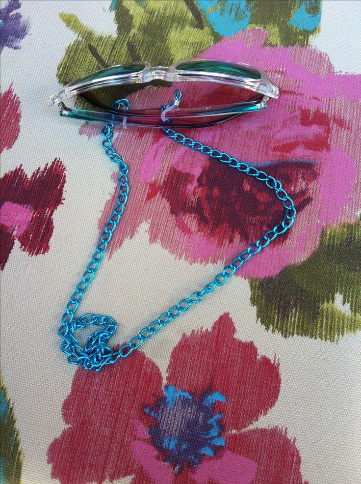 Turquoise metallic eyeglases chain. Best summer accessories.
