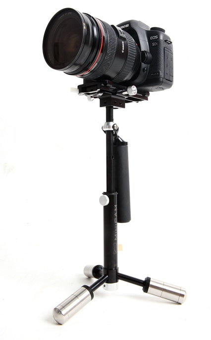 MiniCAM is specifically designed hand-held stabiliser for medium and small sized video cameras and Digital SLRs (DVs and DSLRs). This design has improved stability over the current available hand-held stabilizers in the market. MiniCAM is light weight and has simpler and smoother operations.