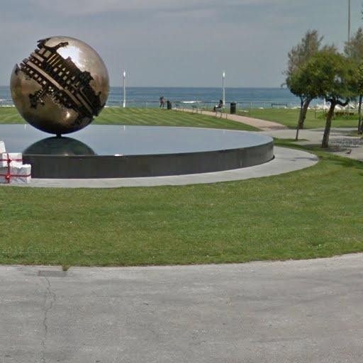 Arnaldo Pomodoro, Grande Sfera, Pesaro, Italy - street view