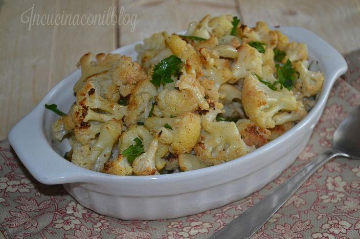 La preparazione è proprio facile. In questo periodo a casa consumiamo molto il cavolfiore, con la pasta, come secondo con le olive o semplicemente bollito