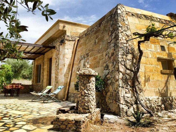 La meraviglia del casale - Particolare facciata della Pajara