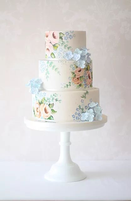 Curtis & Co. Cakes is an award winning wedding cake company. We regularly deliver wedding and event cakes across Gloucestershire, Herefordshire, Worcestershire