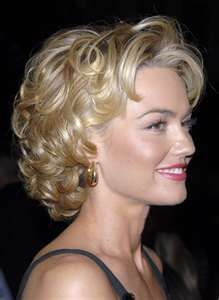 Kelly Carlson - Love her hair!