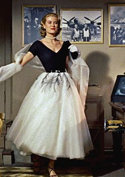 #GraceKelly in #RearWindow in the most beautiful dress I've ever seen in my life. Oh, my god!
