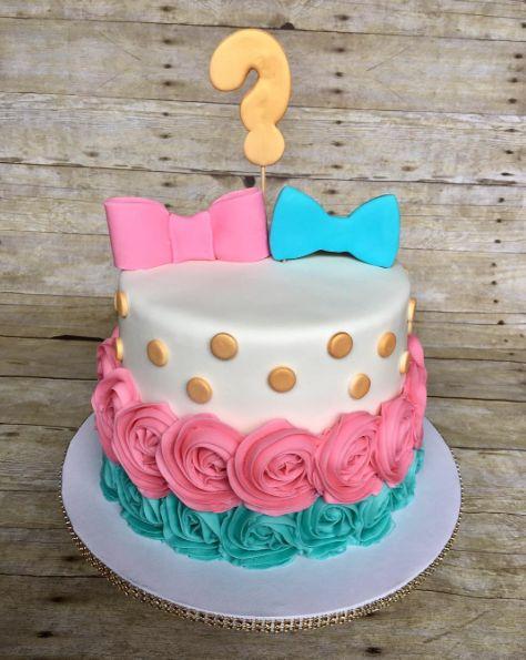 Idéias de lindos bolos para chá de revelação do sexo do bebê 3