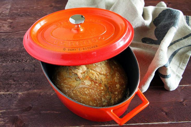Evet güzel bir ekmek yapmak aslında bu kadar kolay! Yoğurmadan, uğraşmadan. Kıtır kabuğu ve yumuşak dokusuyla size dışardan ekmek al...