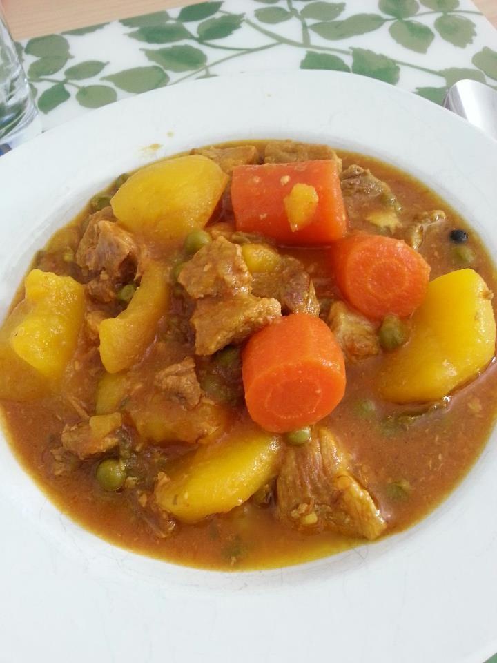 Hoy como estofado de ternera con zanahoria, patata y guisantes. #libérate con @entulínea y  #adelgaza #ComiendoDeTodo