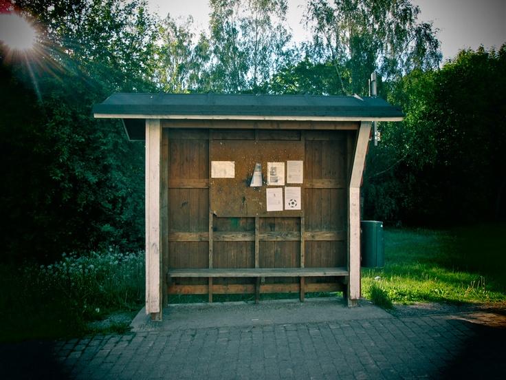Pyhärannan steissillä hengaamassa. SoulSistersit testaamassa Tiekirkkojen fillarikierroksen 14.-26.6.2012.