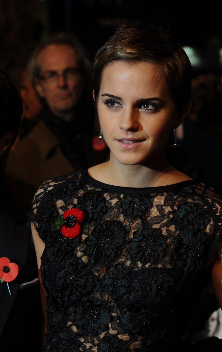 See Thru Dress.. Amazing via /r/EmmaWatson http://ift.tt/2aKAhZJ