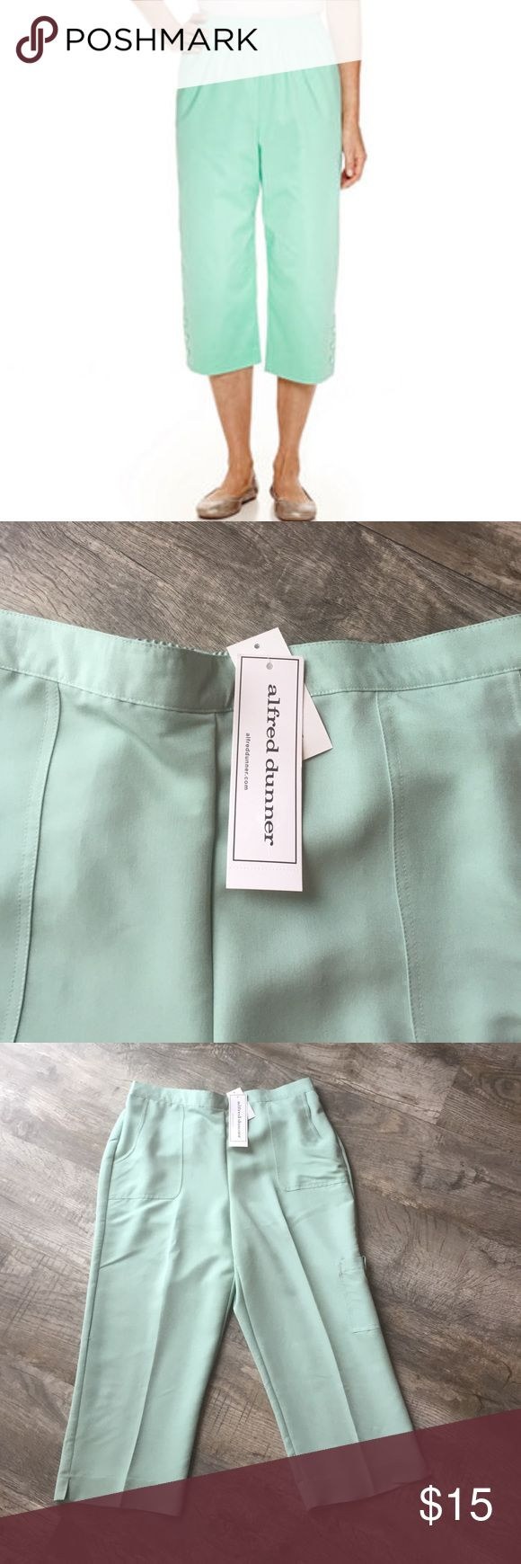 Sale Alfred dunner mint Capri pants sz 12 nwt Alfred dunner mint Capri pants sz 12 nwt  retail 48 brand new with tags pet free smoke free home Alfred Dunner Pants