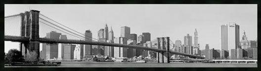 El 24 de Mayo de 1883, tras 13 años de construcción, fue inaugurado uno de los símbolos mas conocidos de Nueva York, El Puente de Brooklyn, que une los distritos de Manhattan y de Brooklyn . Fue el primer puente suspendido mediante cables de acero.