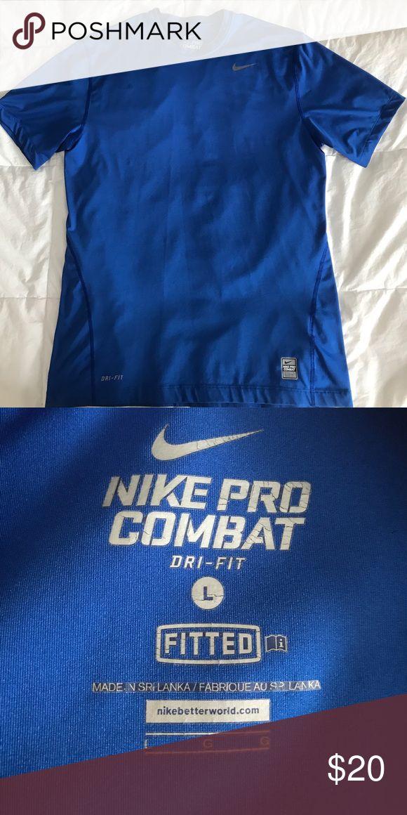 Men's Nike Pro Combat Dri-Fit Short Sleeve Shirt Men's Nike Pro Combat Dri-Fit Short Sleeve Shirt - Fitted Nike Shirts