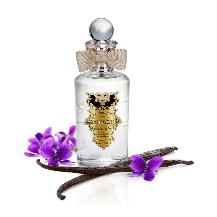 Penhaligon's Artemisia pentru femei - un parfum catifelat, senzual și feminin. O combinație poruncitoare de note de atalcadas, violete și vanilie.