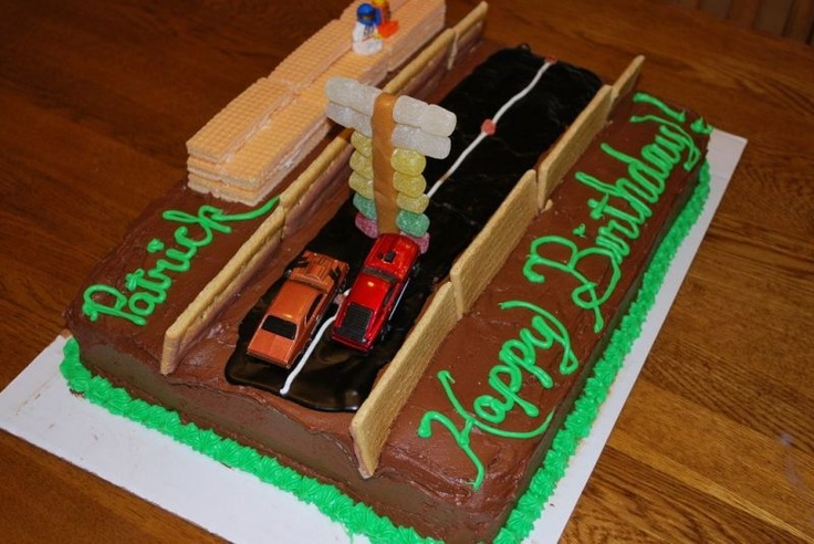 Looking for a drag racing cake I can make...