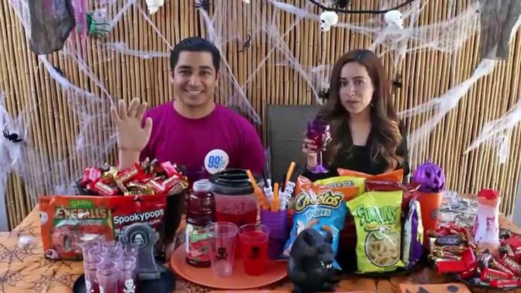 In this video Kevin and Vanessa from www.thestylishsenorita.com shop and decorate at 99 Cents Only Stores for a Halloween party!