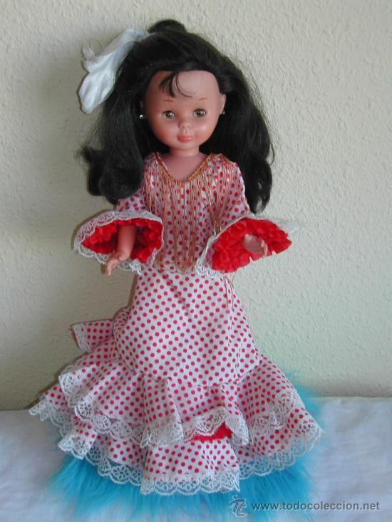 Muñeca Nancy morena con vestido de flamenca en todocoleccion.