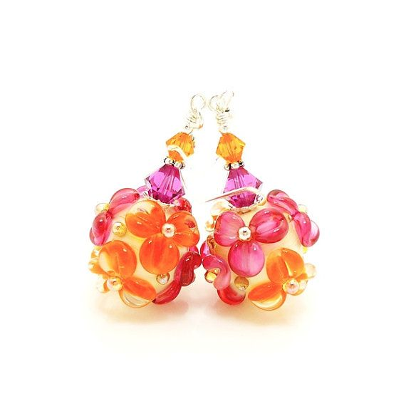 Brincos rosa laranja, Brincos florais laranja rosa, Brincos lampwork, Brincos brincos de vidro, brincos de vidro, brincos brinco, brinco de pérolas