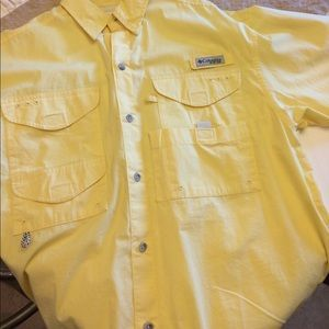 I just added this to my closet on Poshmark: Men's Columbia PFG Shirt. Price: $20 Size: S