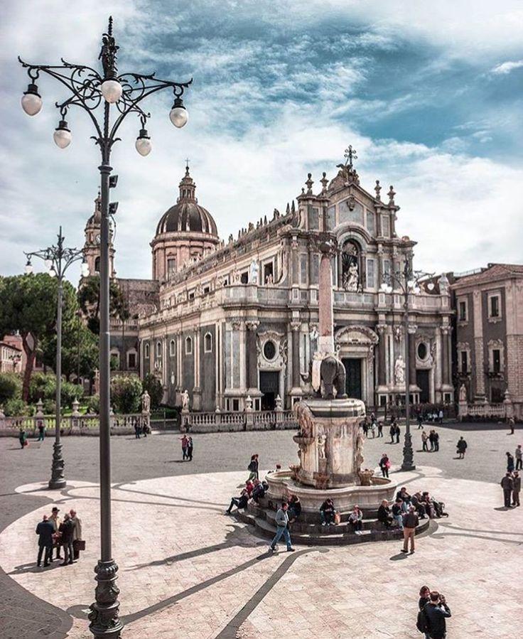 Piazza del Duomo, Catânia, Sicília, Itália