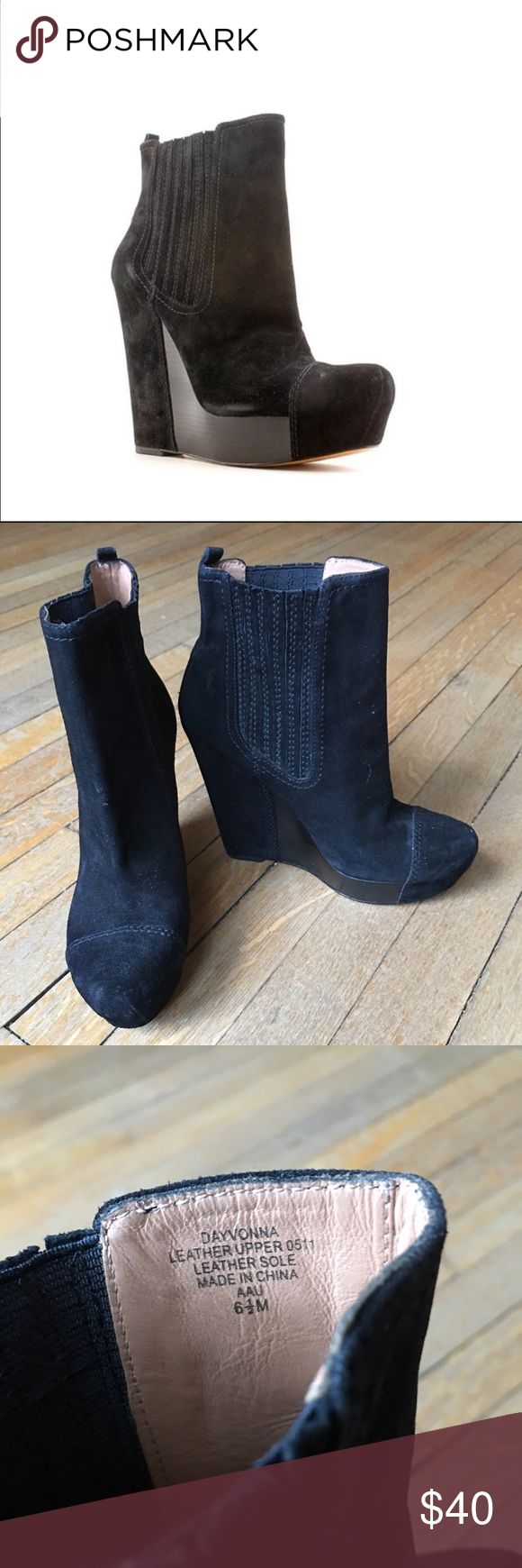 Joan & David Dayvonna ankle boots. Joan & David Dayvonna black suede ankle boots, in good pre-owned condition. Worn once. Joan & David Shoes Ankle Boots & Booties