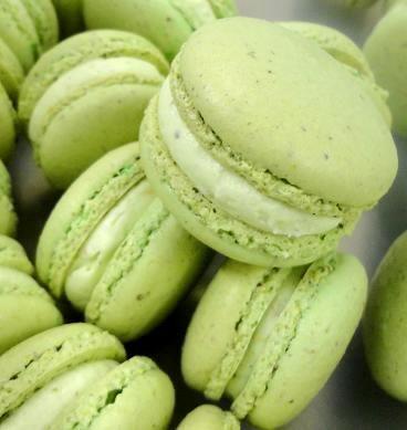Pistachio macarons yummy