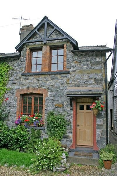 Love this small home pinterest love this and love for Tiny stone cottage