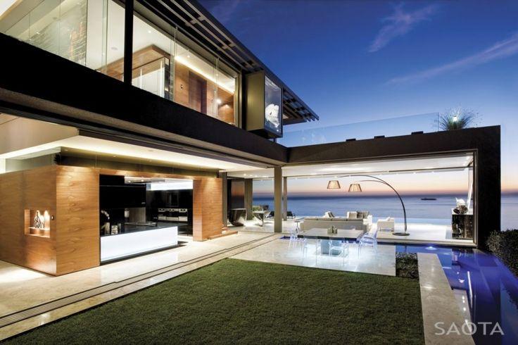 Nettleton 198 by Stefan Antoni Olmesdahl Truen Architects. A 6 bedroom, 7 story Cape Town mansion.