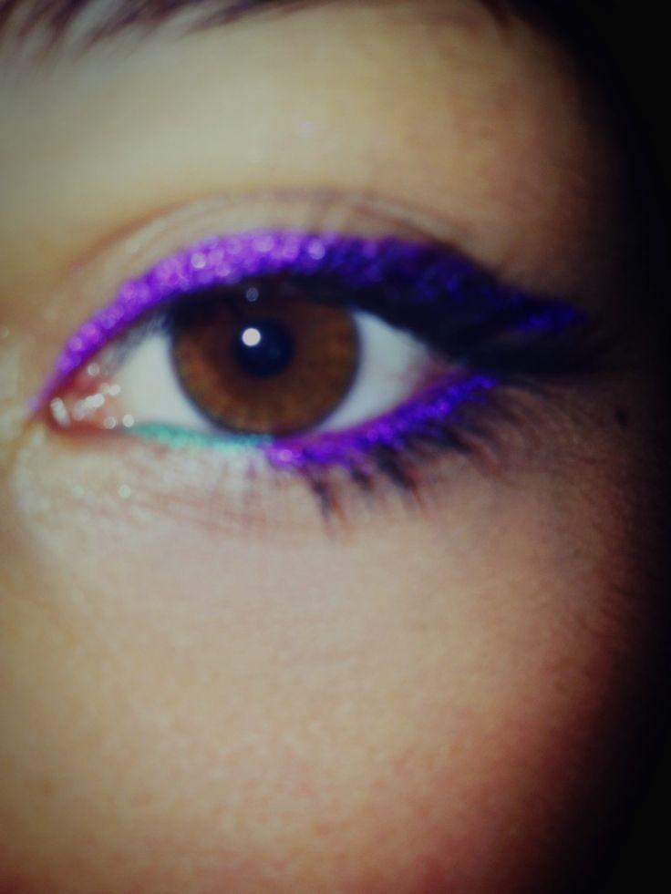 Make up violet