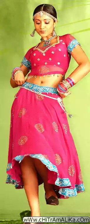 Hot navel show - Trisha Krishnan -
