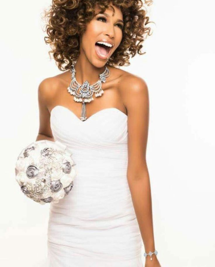 Every bride deserves to feel special Traci Lynn Jewelry Bridal Collection adds sparkle  www.tracilynnjewelry.net/3421