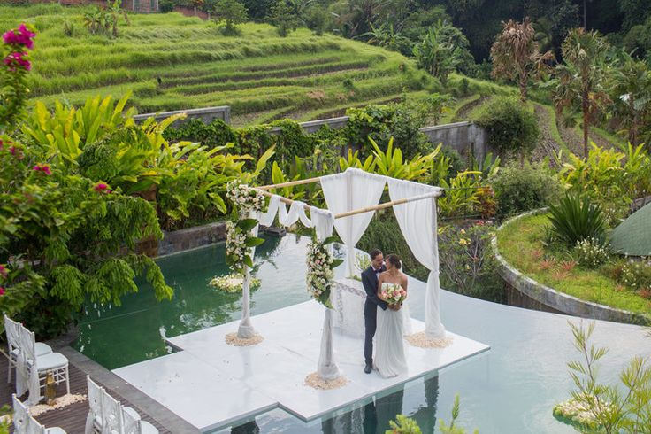 'Love of the Day' - What a stunning setting for a Wedding in Bali - De Moksha