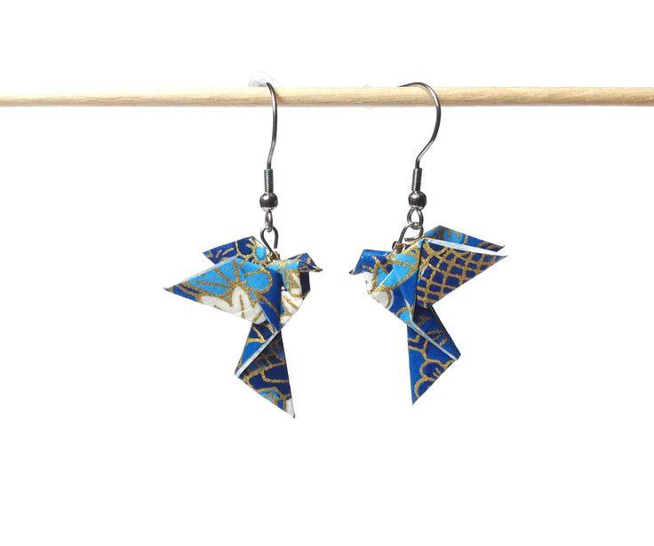 Boucles d'oreilles colombes origami, bijou origami papier japonais, bleu doré, oiseau papier japonais crochets inox : Boucles d'oreille par 1000-grues-et-3-donuts