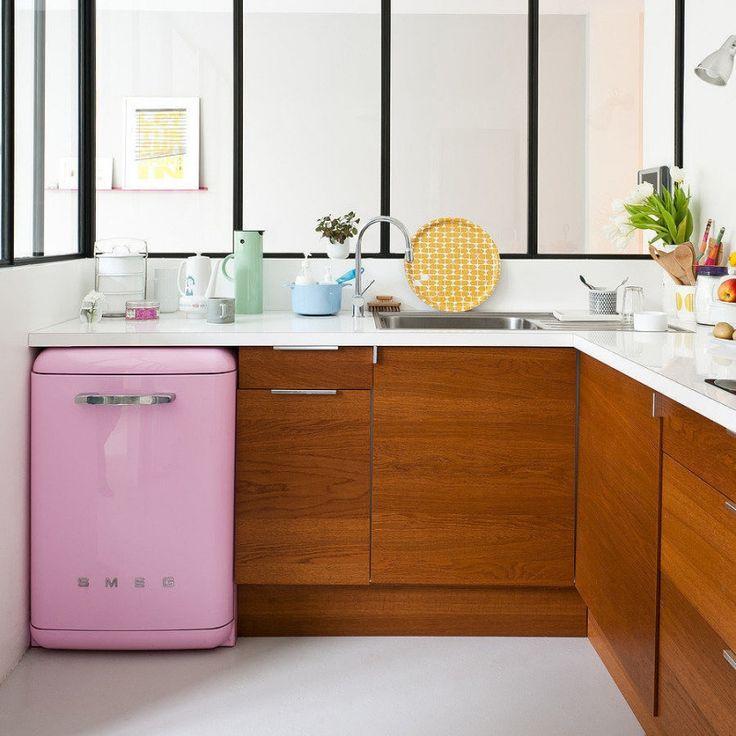 Pink mini fridge - LOVE