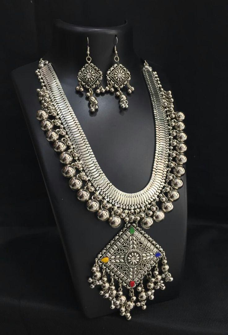 Metal Jewellery, Jewellery Storage, Silver Jewellery, Friend Photos, Indian  Jewelry, Statement Necklaces, Jewelry Storage, Silverware Jewelry, Silver  ...