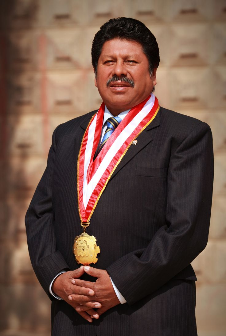 Dr. Edgardo Pineda Quispe, Vicerrector Administrativo de la Universidad Nacional del Altiplano UNA Puno gestión 2010-2014.  Foto: Marzo 2014