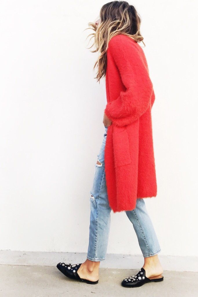 Oversized, Super Soft, your new go to cardigan! One Size Fits All