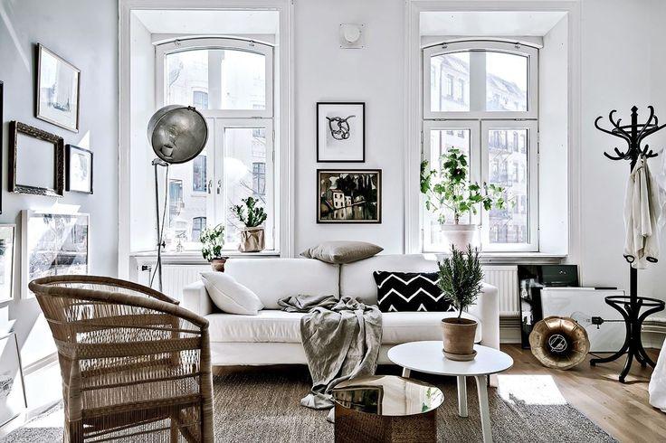 Scandinavian studio apartment with kakelugn