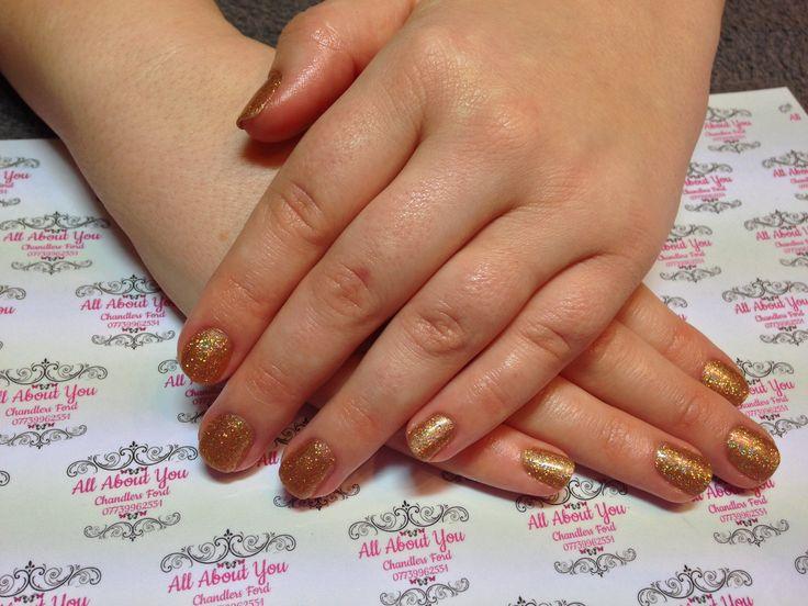 #Gold #glitter #Christmas #nails