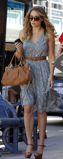 Who made Lauren Conrad's floral dress, sunglasses, nude sandals and nude purse that she wore in Westwood on November 4, 2010 ?