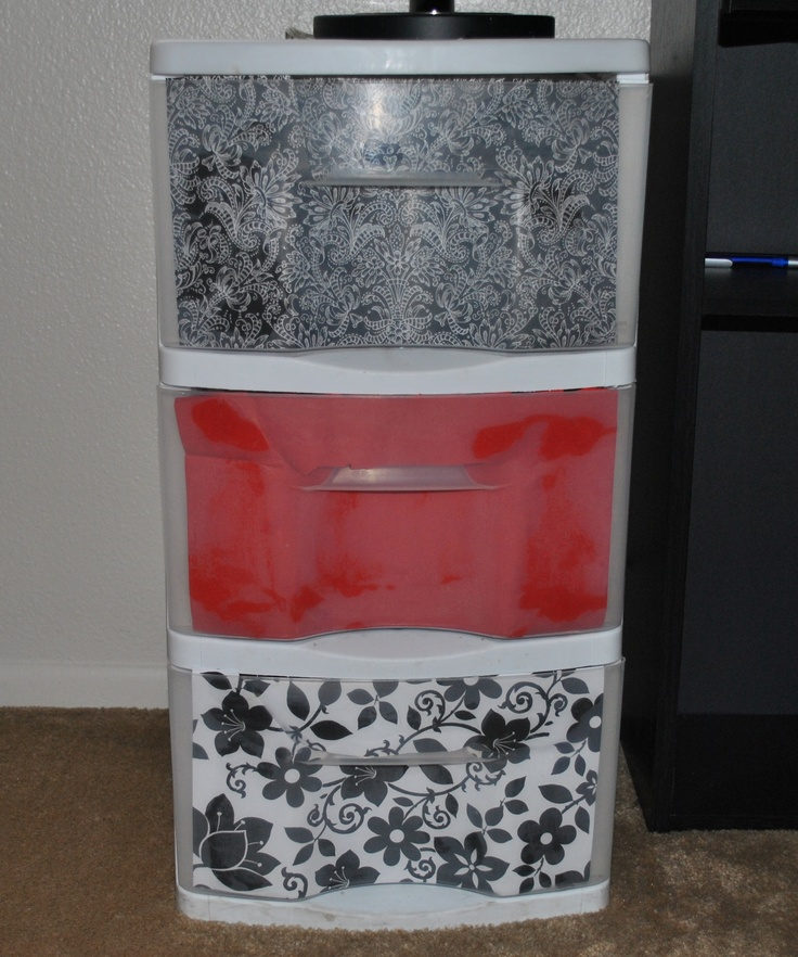 Really helps make plastic storage containers look good!Plastic Storage, Paper Attached, Covers Drawers, Diy Crafts, Capes, Clutter, Lingerie Drawers, Drawers Upcycling, Plastic Drawers