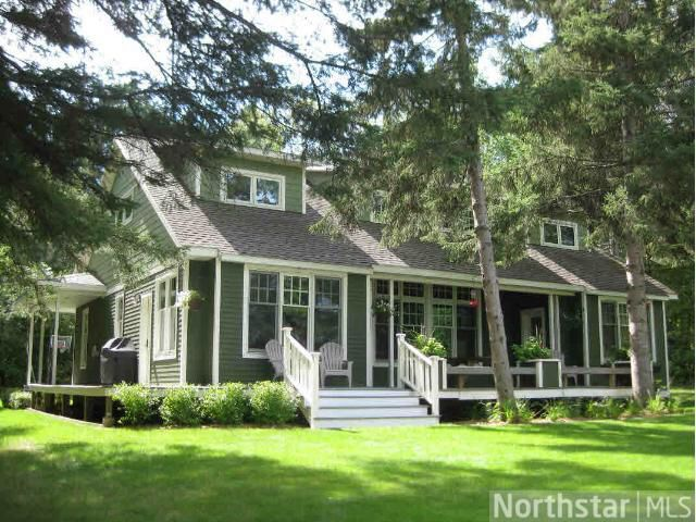 17 best images about green house white trim on pinterest for Green house white trim