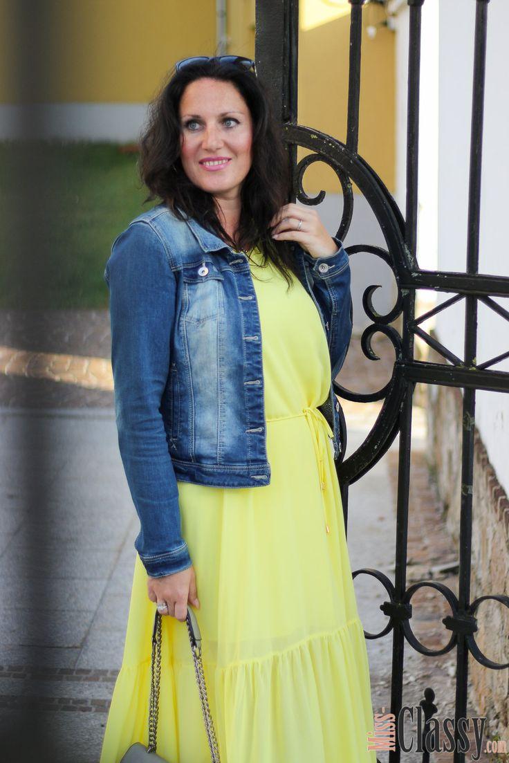 die besten 25 gelbe sommerkleider ideen auf pinterest gelbes strampelanzug outfit. Black Bedroom Furniture Sets. Home Design Ideas