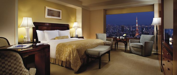 Enjoy deluxe accommodations with panoramic vistas of Tokyo South: Tokyo Tower.